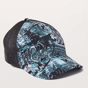 Lululemon Dash & Splash Cap Eternal Wave Black NEW